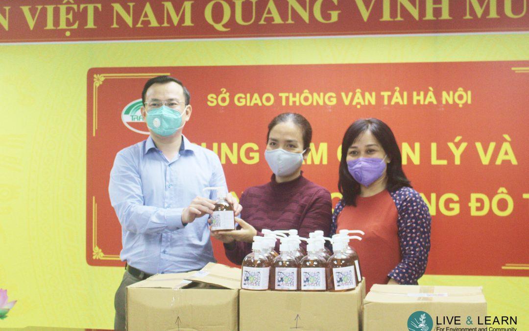 Nước rửa tay (refill) sẽ được đặt tại hệ thống xe buýt Hà Nội